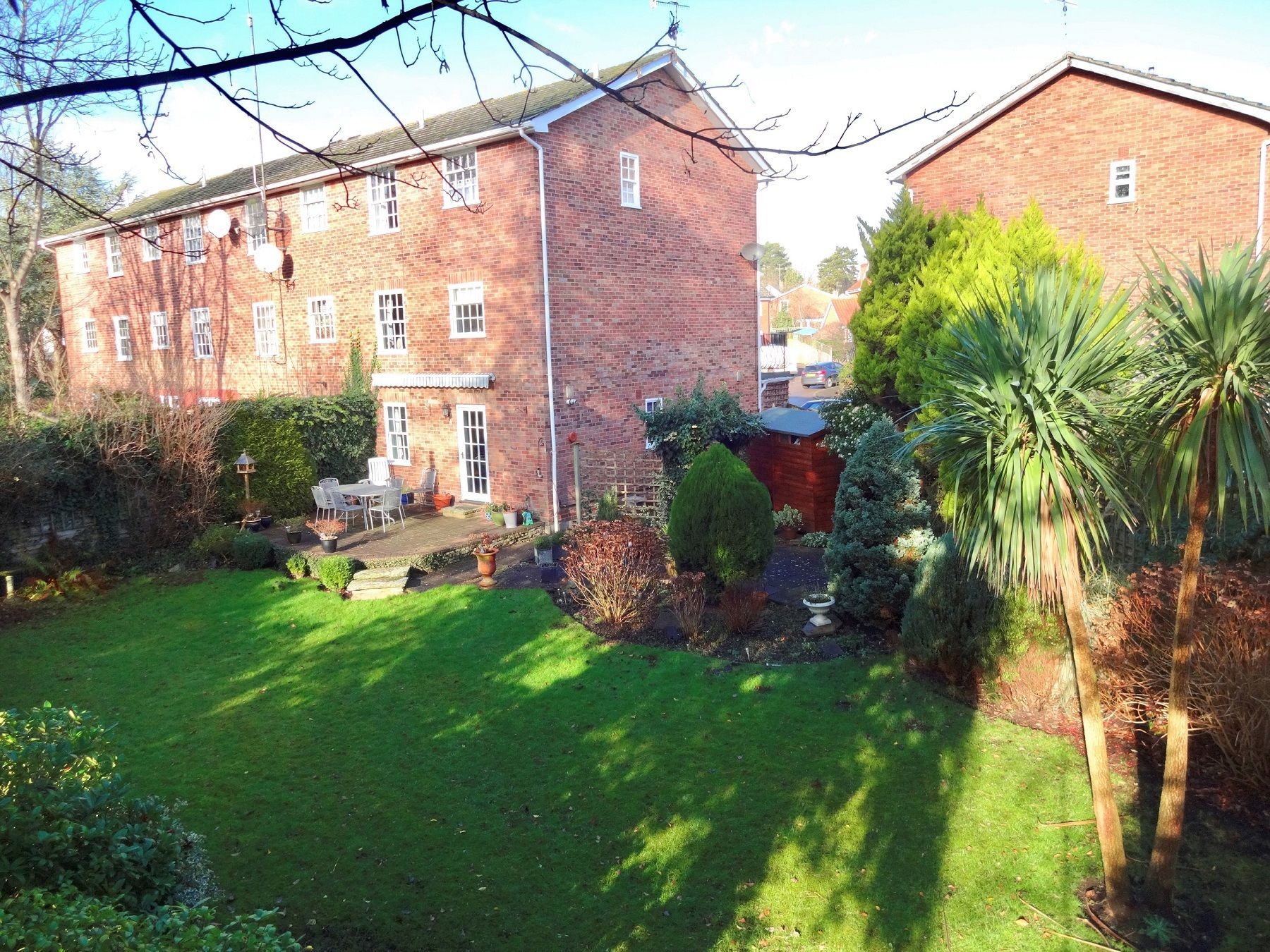 An immaculate 4 bedroom town house with a large garden