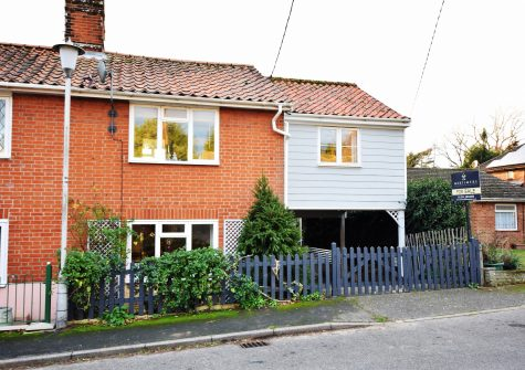 Spacious 3 bedroom period cottage with a large garden .
