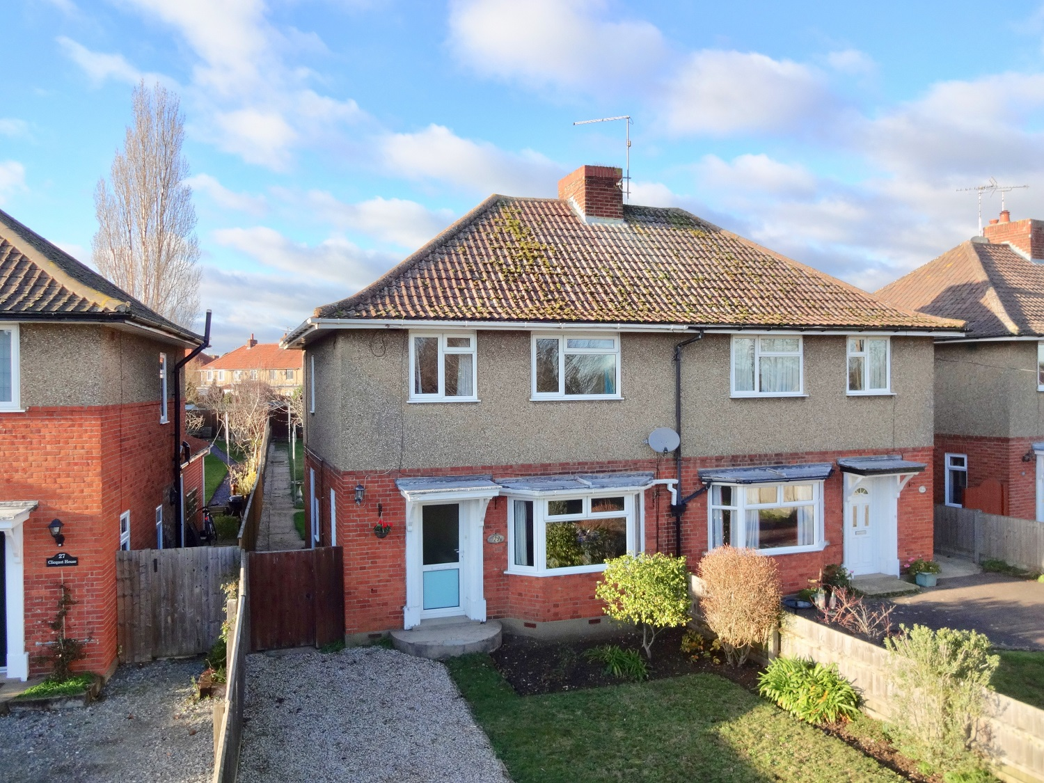 3 bedroom semi-detached house with a large garden