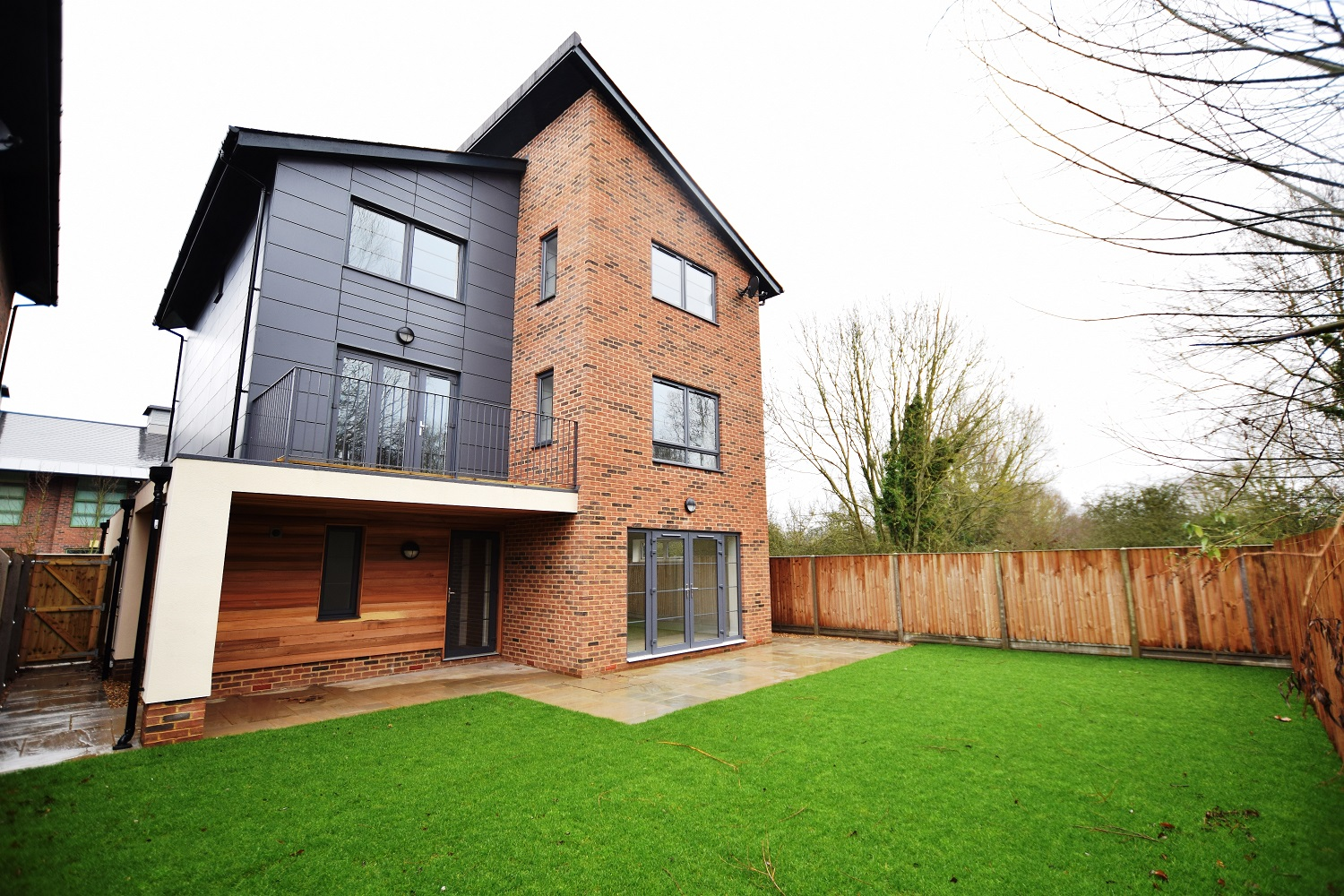 A brand new 5 bedroom detached house with garage and parking.