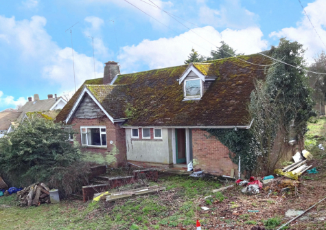 A superb opportunity to acquire a renovation / re-build project